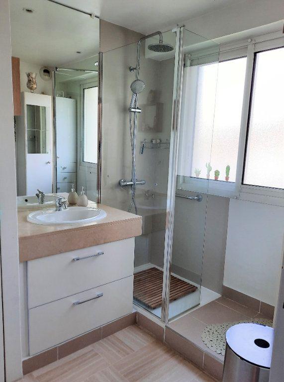 Appartement à vendre 2 52m2 à Saint-Laurent-du-Var vignette-8
