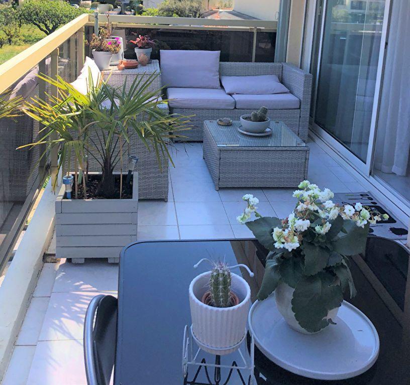 Appartement à vendre 3 67m2 à Saint-Laurent-du-Var vignette-1