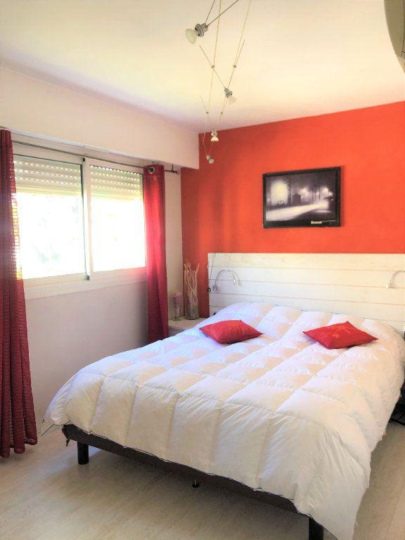 Appartement à vendre 3 67m2 à Saint-Laurent-du-Var vignette-5