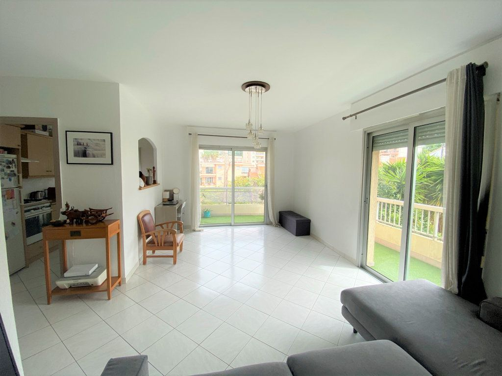 Appartement à vendre 3 65m2 à Cagnes-sur-Mer vignette-3