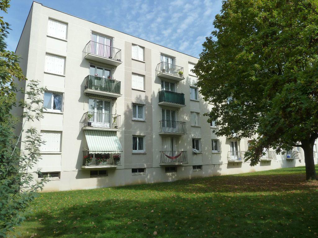 Appartement à louer 4 68m2 à Viry-Châtillon vignette-1