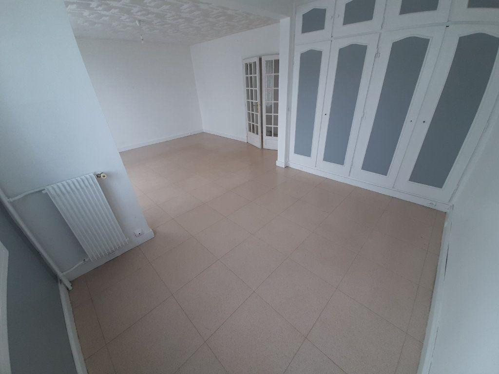 Appartement à louer 4 68m2 à Viry-Châtillon vignette-2