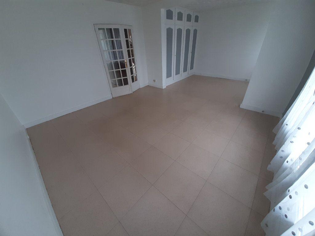 Appartement à louer 4 68m2 à Viry-Châtillon vignette-3