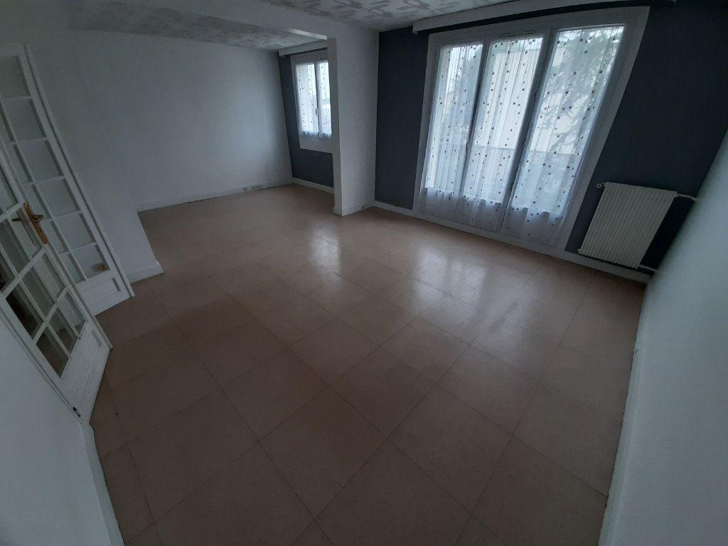 Appartement à louer 4 68m2 à Viry-Châtillon vignette-4