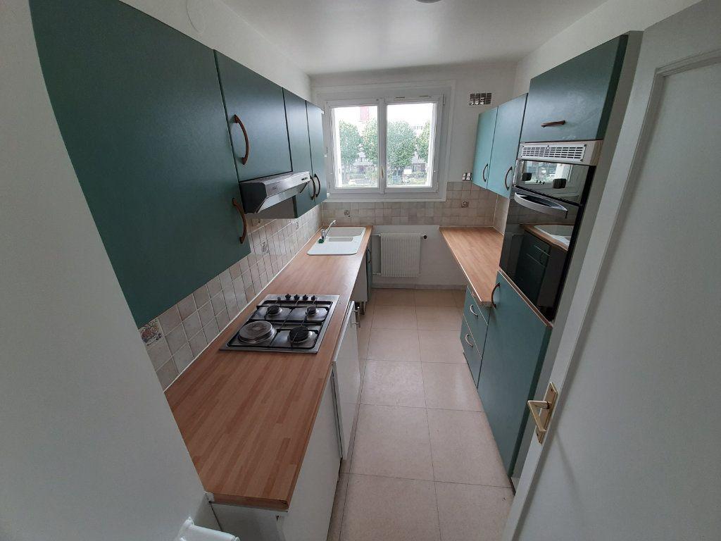 Appartement à louer 4 68m2 à Viry-Châtillon vignette-5