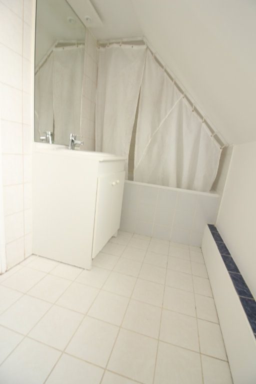 Appartement à louer 2 26m2 à Le Coudray-Montceaux vignette-4