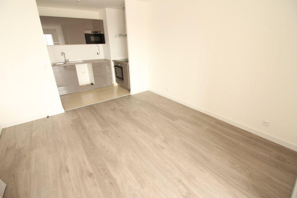 Appartement à louer 3 61m2 à Juvisy-sur-Orge vignette-4