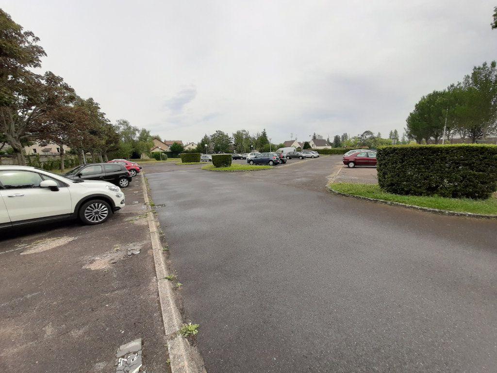 Stationnement à louer 0 10m2 à Viry-Châtillon vignette-2