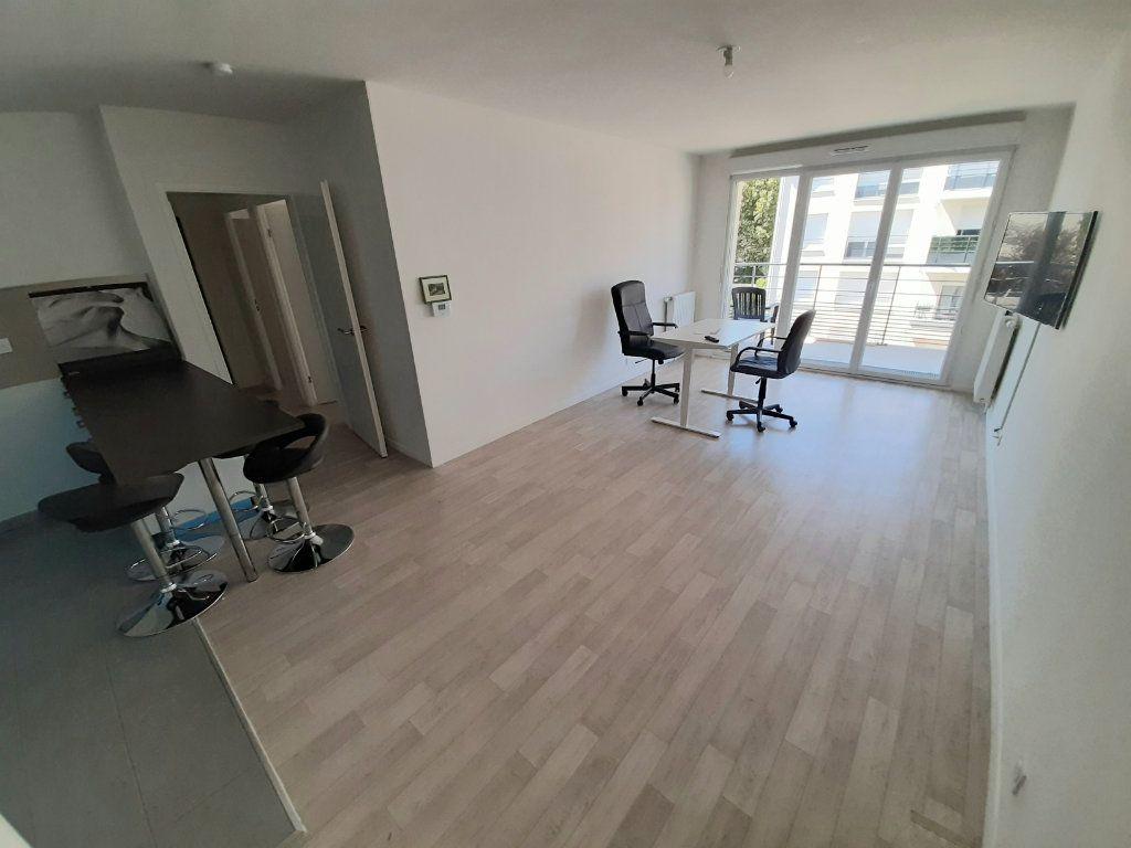 Appartement à louer 3 63m2 à Viry-Châtillon vignette-3