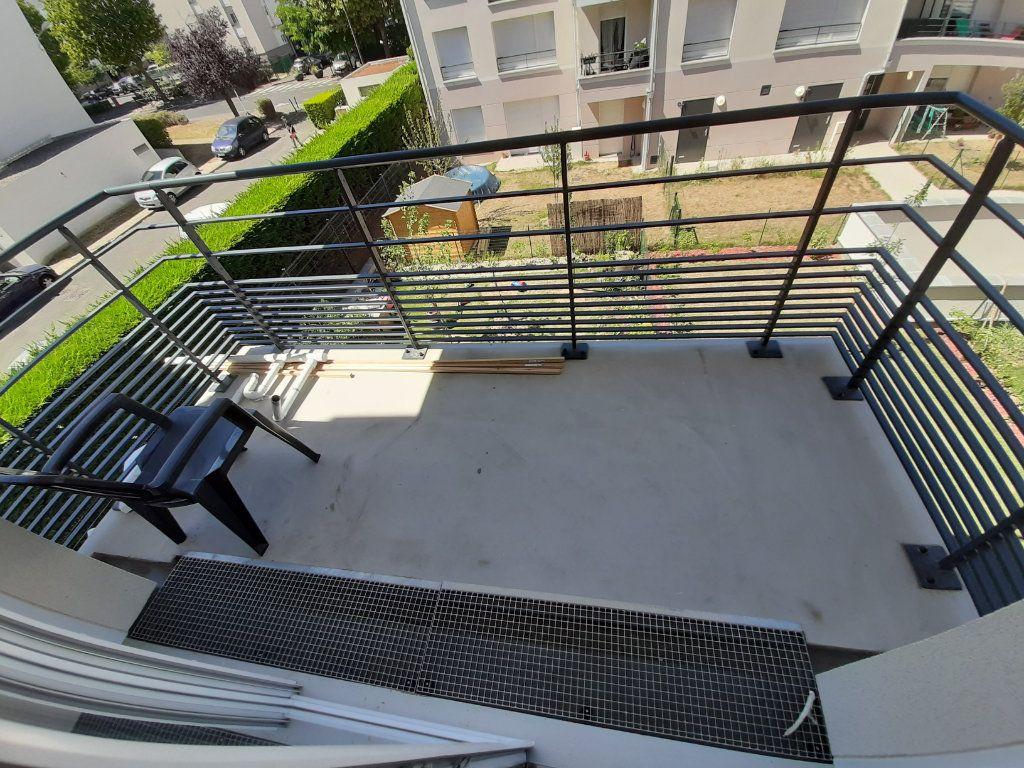 Appartement à louer 3 63m2 à Viry-Châtillon vignette-4