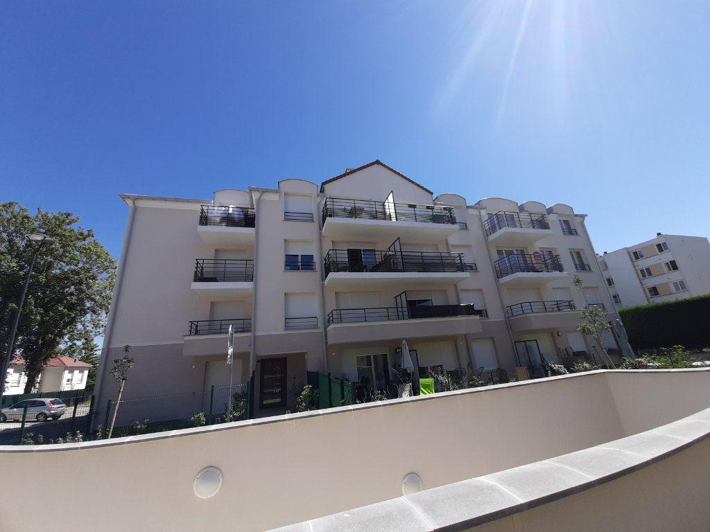 Appartement à louer 3 63m2 à Viry-Châtillon vignette-8
