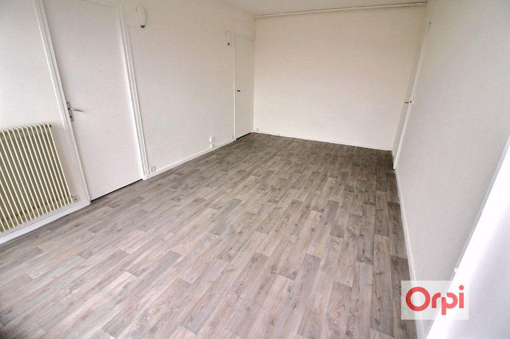 Appartement à louer 3 53m2 à Viry-Châtillon vignette-2