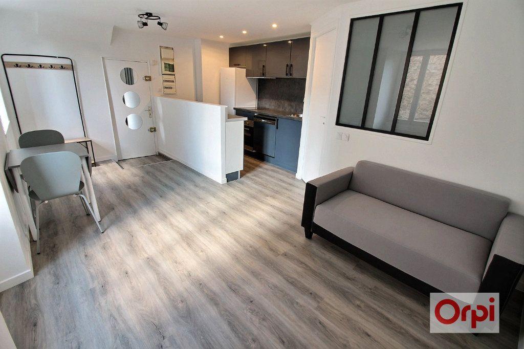 Appartement à louer 2 30m2 à Viry-Châtillon vignette-1