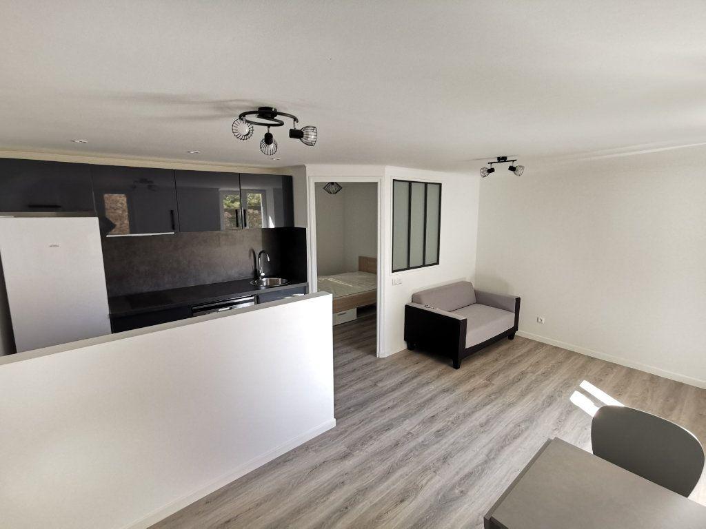 Appartement à louer 2 30m2 à Viry-Châtillon vignette-10