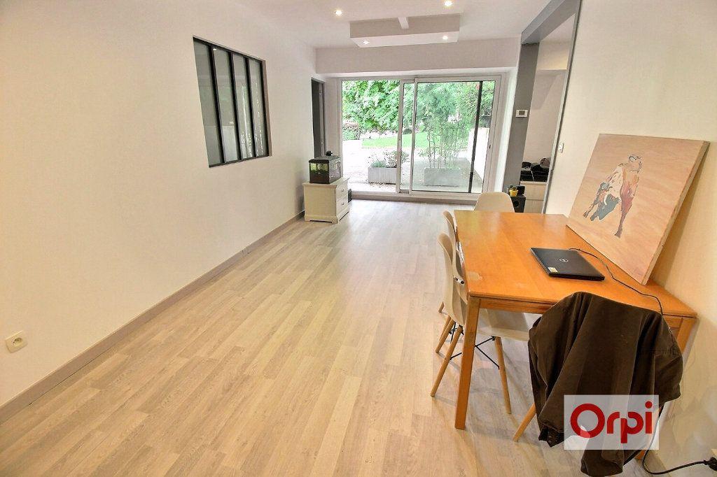 Appartement à louer 4 75.51m2 à Viry-Châtillon vignette-3