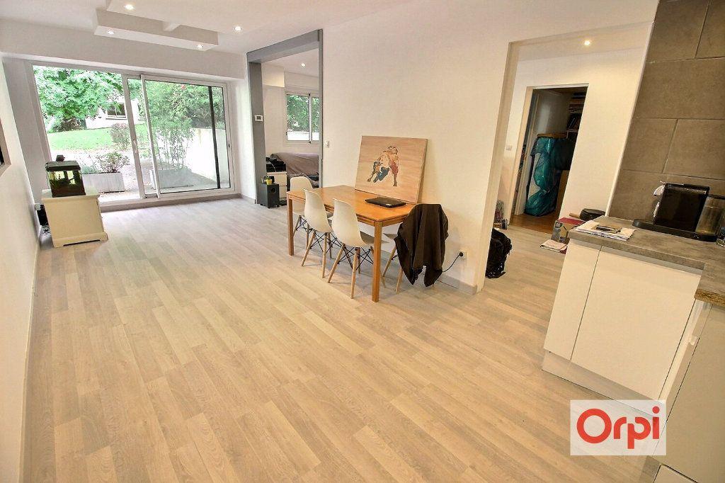 Appartement à louer 4 75.51m2 à Viry-Châtillon vignette-4