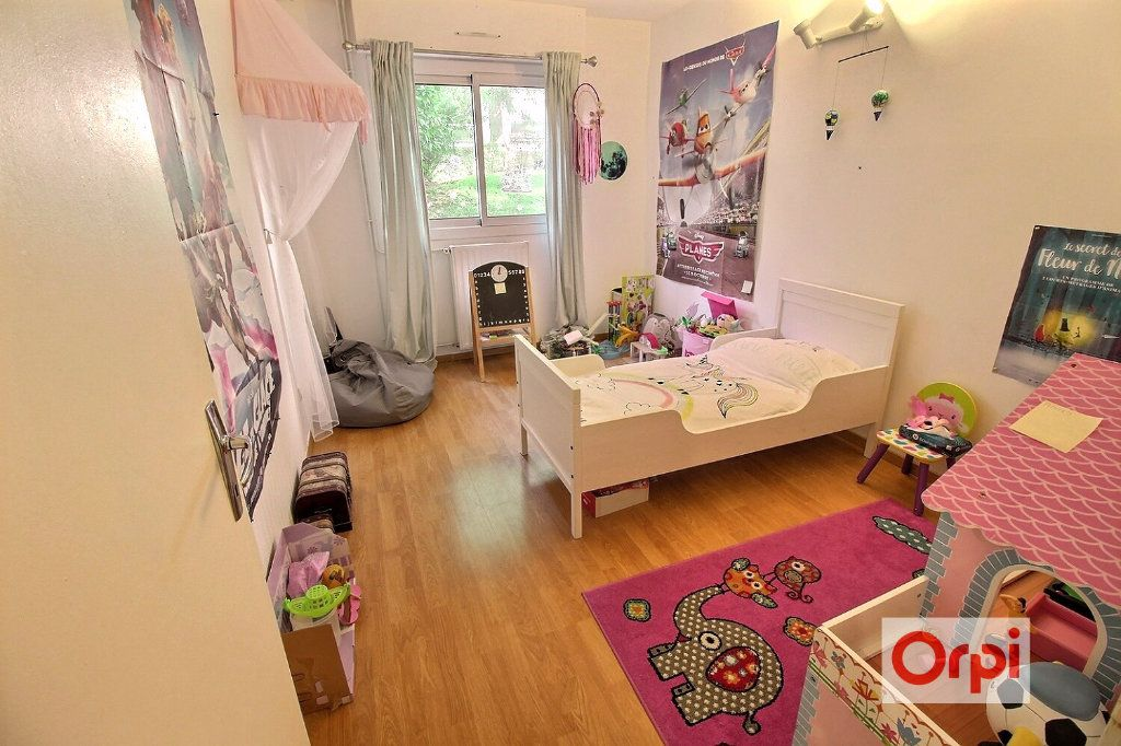 Appartement à louer 4 75.51m2 à Viry-Châtillon vignette-6