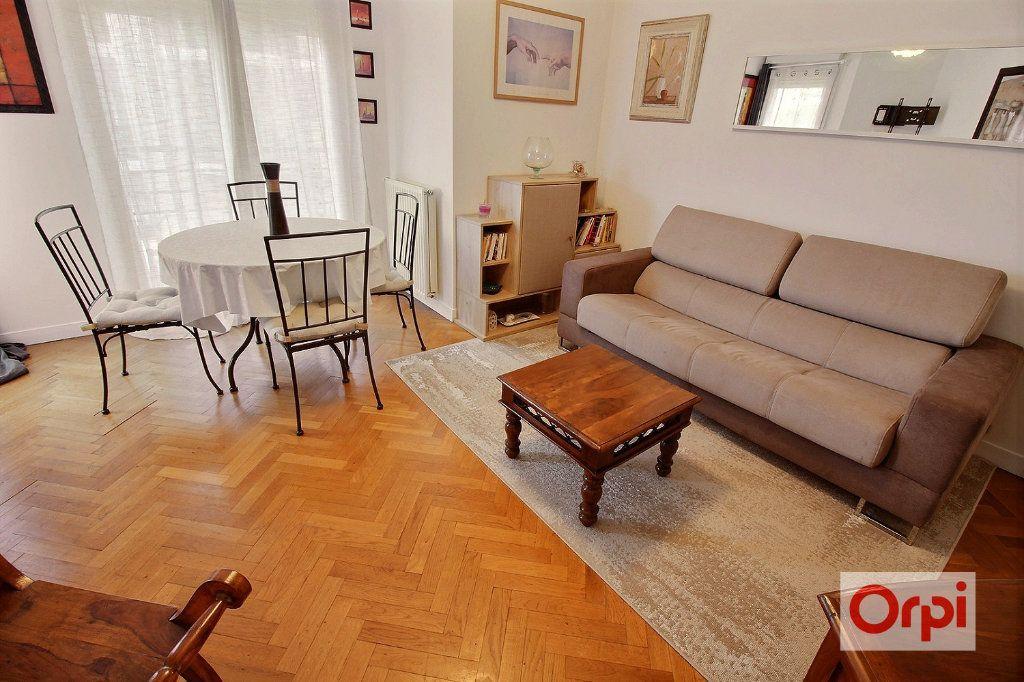 Appartement à louer 3 54m2 à Viry-Châtillon vignette-2