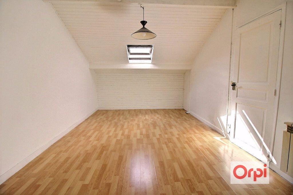 Appartement à louer 1 31m2 à Viry-Châtillon vignette-1