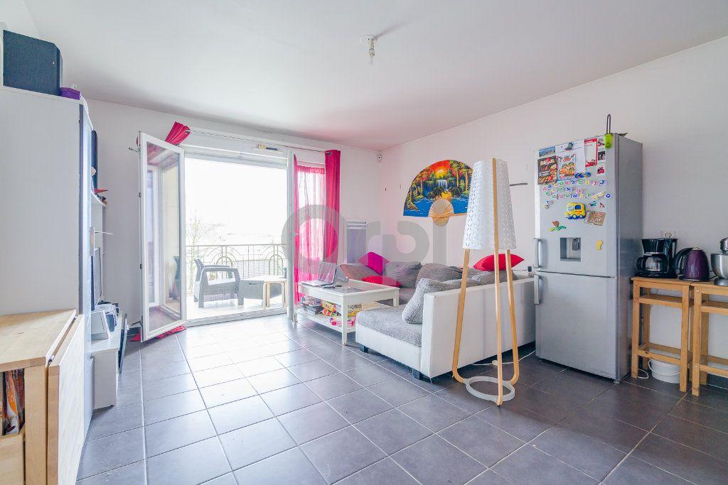 Appartement à vendre 3 55.51m2 à Boissy-Saint-Léger vignette-2