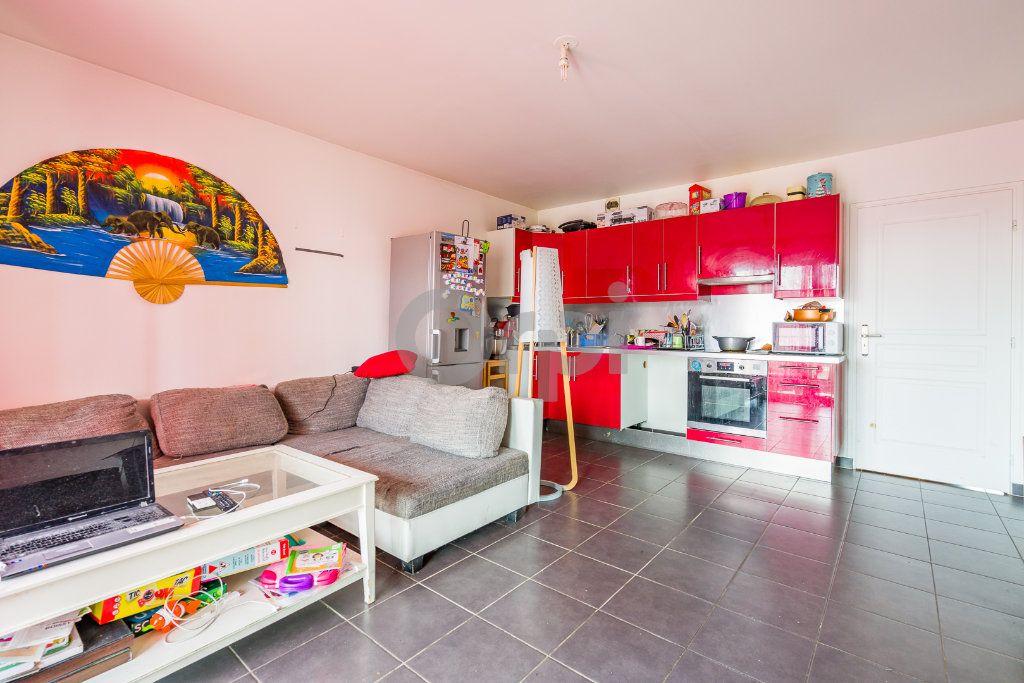 Appartement à vendre 3 55.51m2 à Boissy-Saint-Léger vignette-3