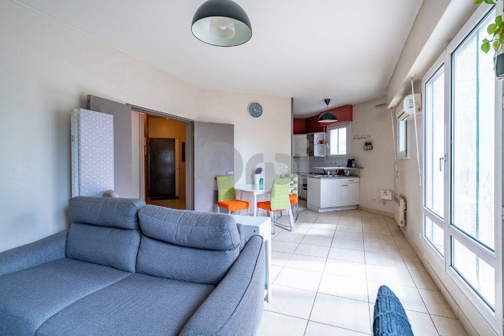 Appartement à vendre 2 62.57m2 à Boissy-Saint-Léger vignette-2