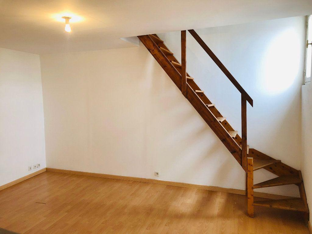 Appartement à louer 2 47.85m2 à Meaux vignette-3