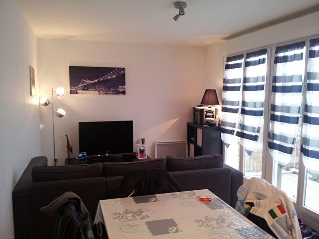 Appartement à louer 2 41.03m2 à Meaux vignette-1