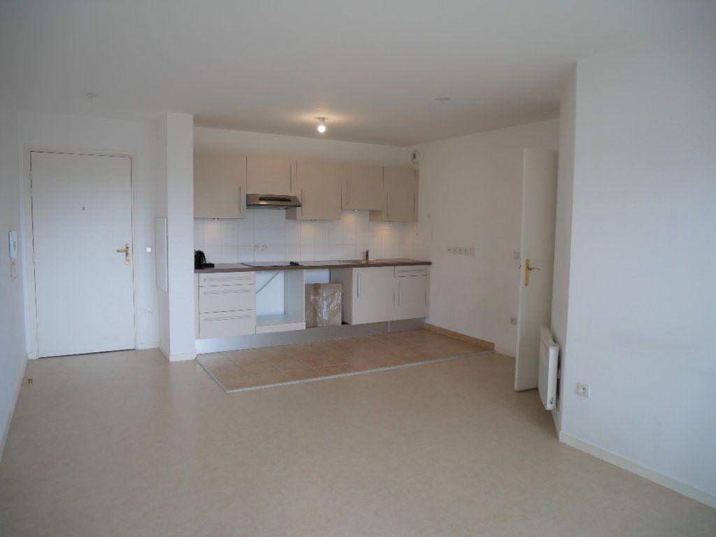 Appartement à louer 3 59.52m2 à Meaux vignette-1
