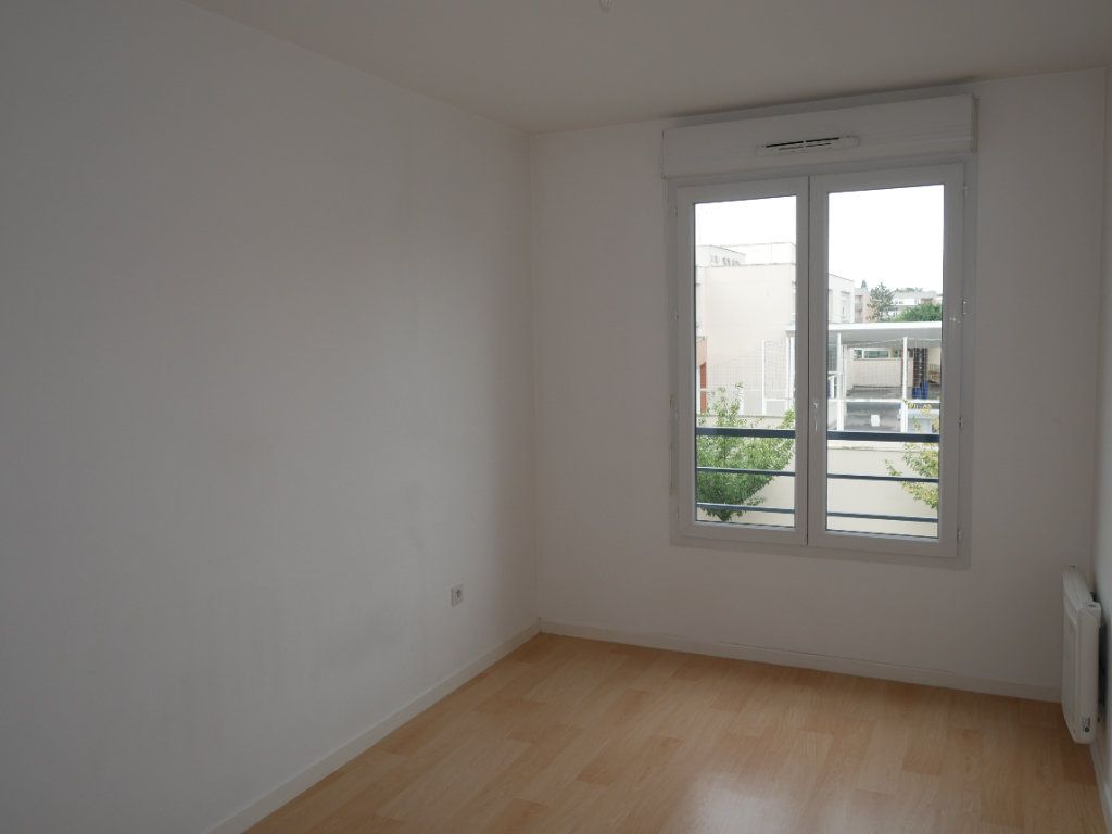 Appartement à louer 3 59.52m2 à Meaux vignette-7