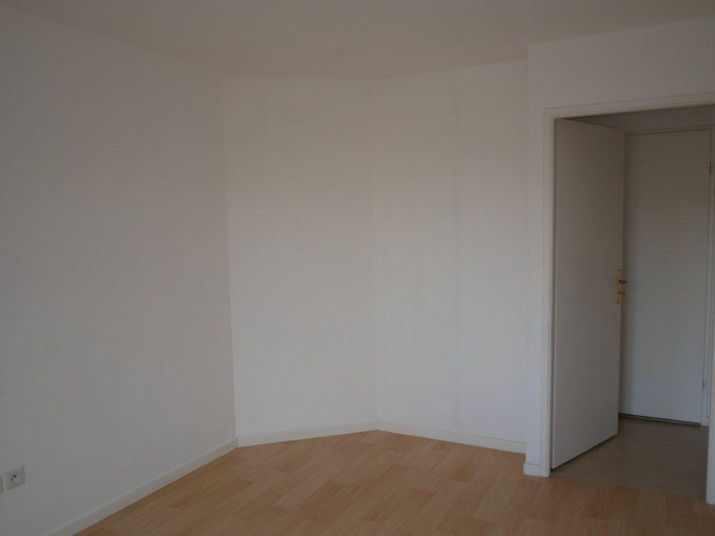Appartement à louer 3 59.52m2 à Meaux vignette-9