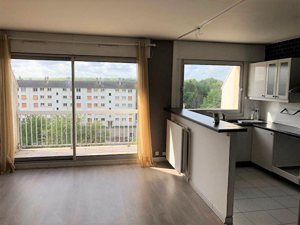 Appartement à louer 3 60.75m2 à Meaux vignette-1