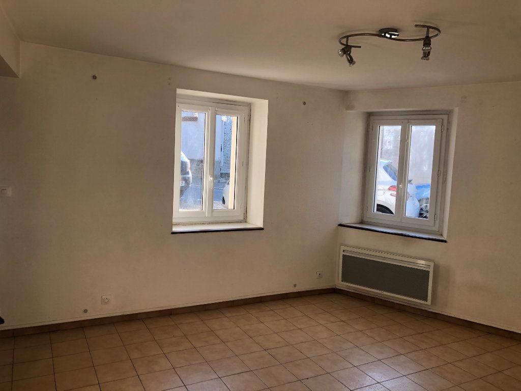 Appartement à louer 3 47.99m2 à Chambry vignette-3
