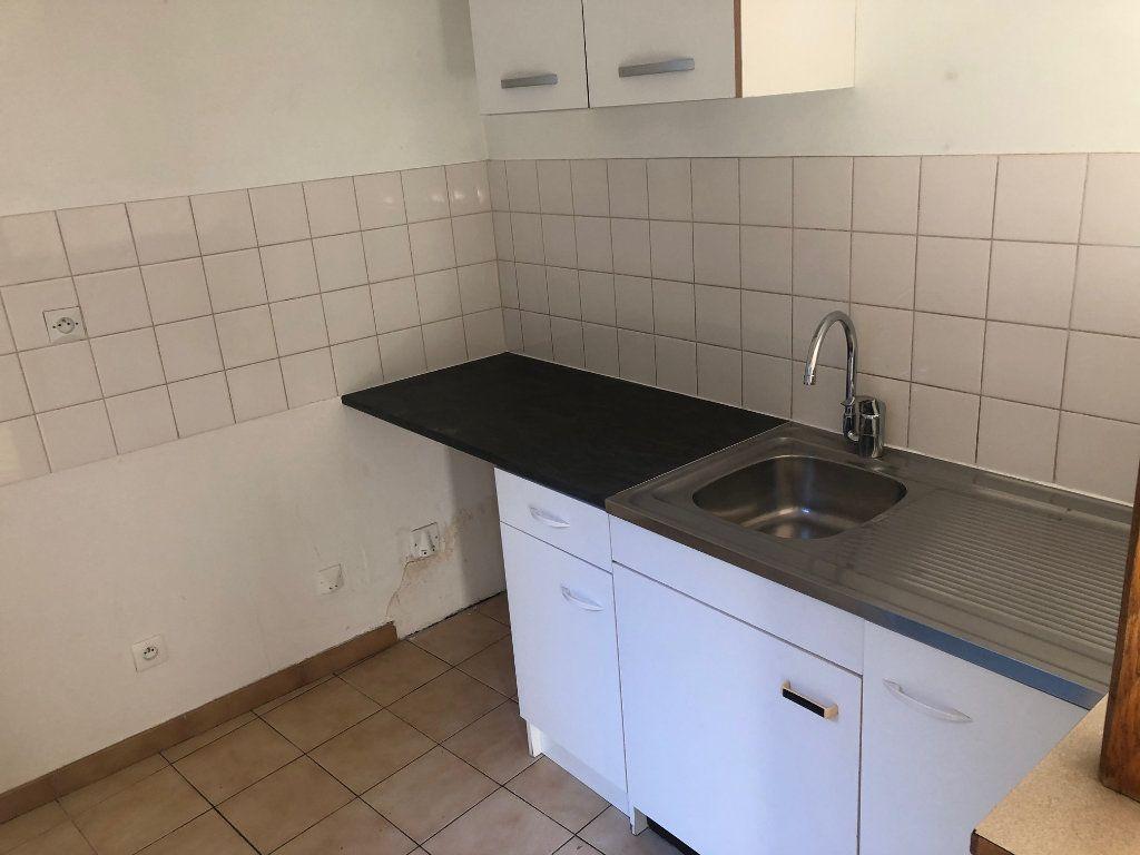 Appartement à louer 3 47.99m2 à Chambry vignette-4