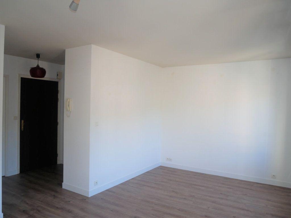 Appartement à louer 2 36.8m2 à Meaux vignette-2