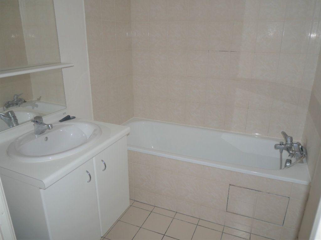 Appartement à louer 2 36.8m2 à Meaux vignette-6