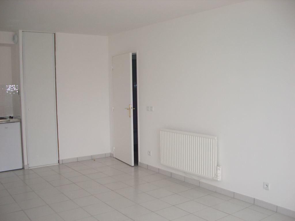 Appartement à louer 1 32.19m2 à Meaux vignette-2