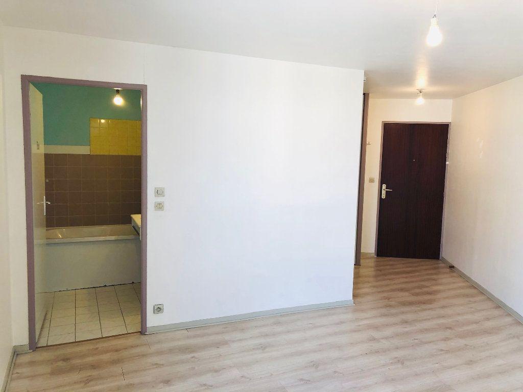 Appartement à louer 1 23.21m2 à Meaux vignette-2