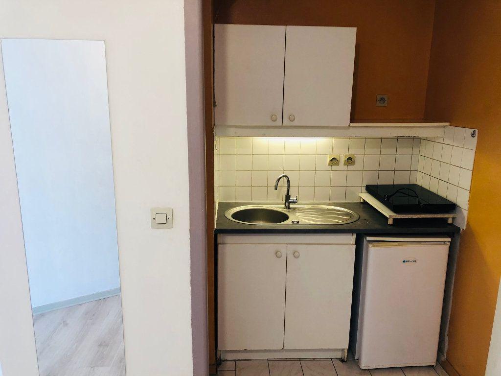 Appartement à louer 1 23.21m2 à Meaux vignette-4