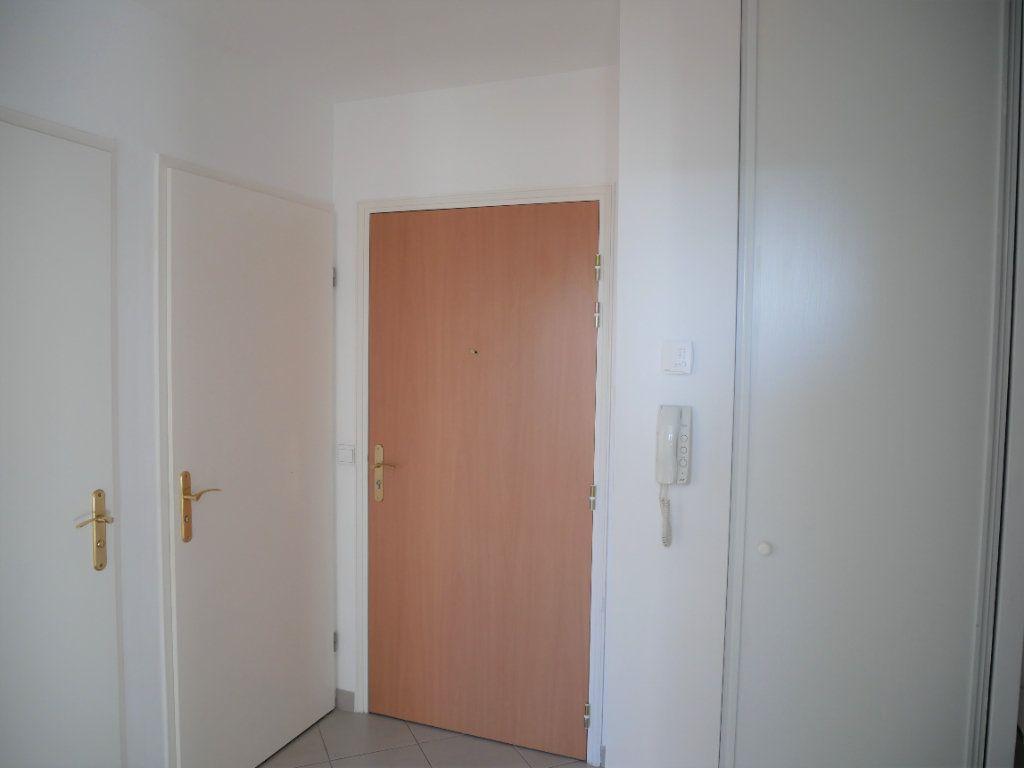 Appartement à louer 2 36.65m2 à Meaux vignette-3
