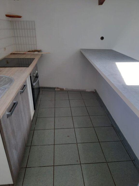 Appartement à louer 3 60m2 à Pommeuse vignette-2
