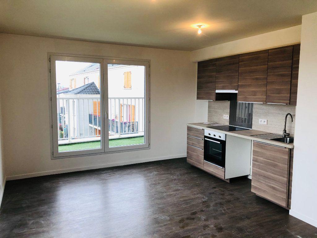 Appartement à louer 4 74.25m2 à Villenoy vignette-1