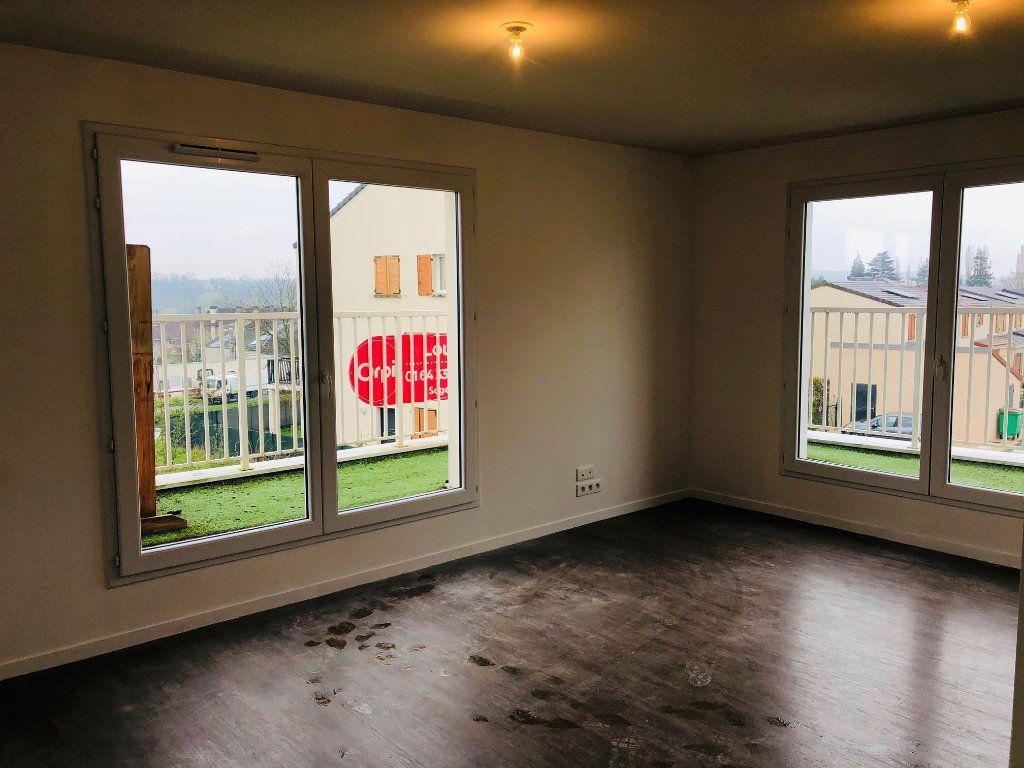 Appartement à louer 4 74.25m2 à Villenoy vignette-2