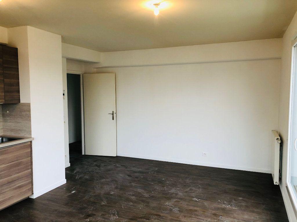 Appartement à louer 4 74.25m2 à Villenoy vignette-4