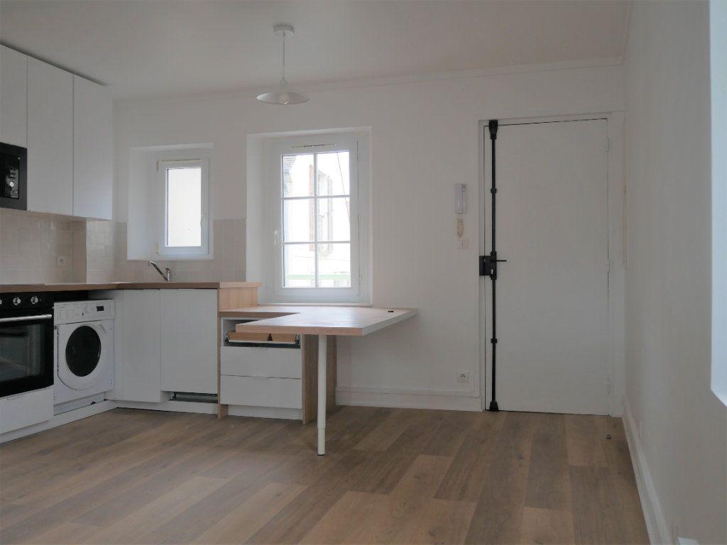 Appartement à louer 2 30.52m2 à Meaux vignette-2