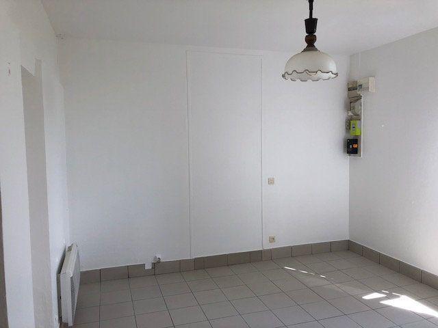 Maison à louer 3 57.57m2 à Gesvres-le-Chapitre vignette-5