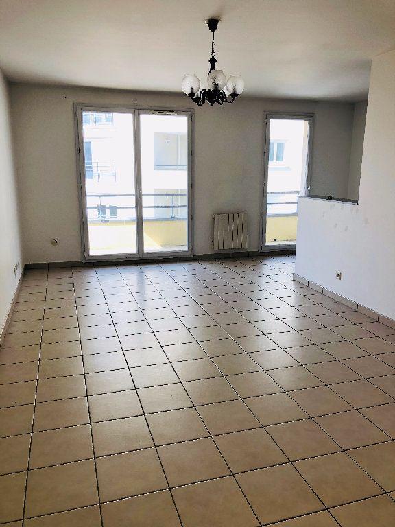 Appartement à louer 3 70.17m2 à Meaux vignette-1
