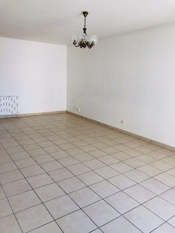 Appartement à louer 3 70.17m2 à Meaux vignette-2
