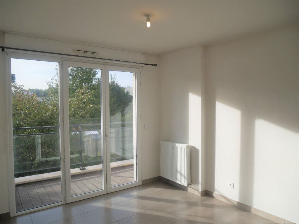 Appartement à louer 2 33.78m2 à Meaux vignette-1