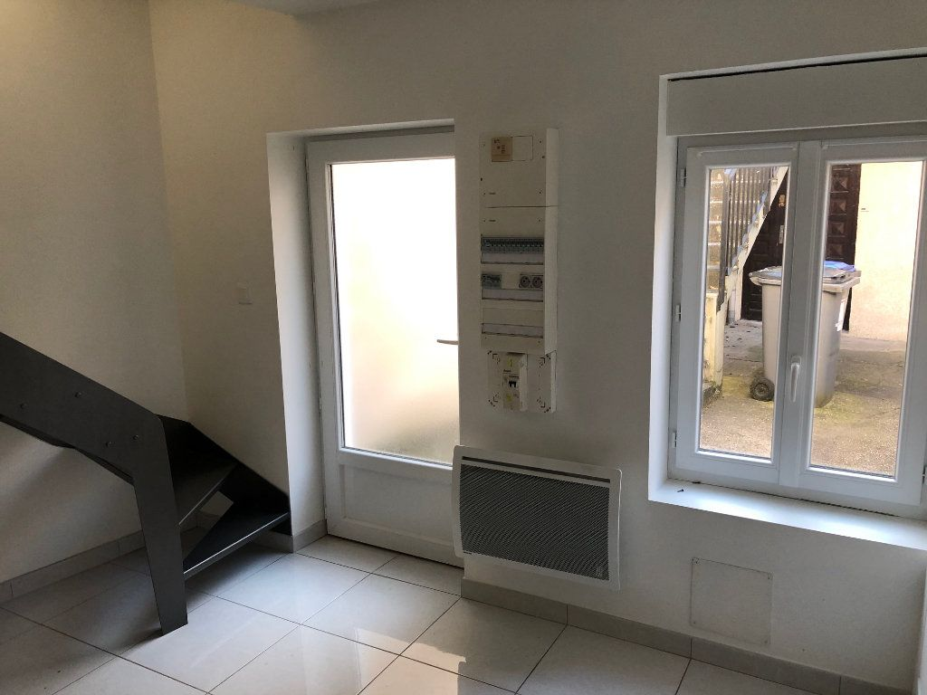 Appartement à louer 1 14.16m2 à Meaux vignette-3